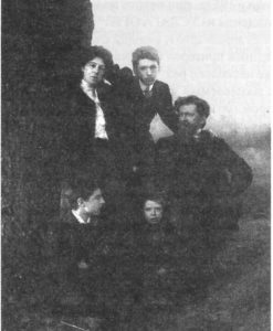 Image of Serebriakoff family in 1905.